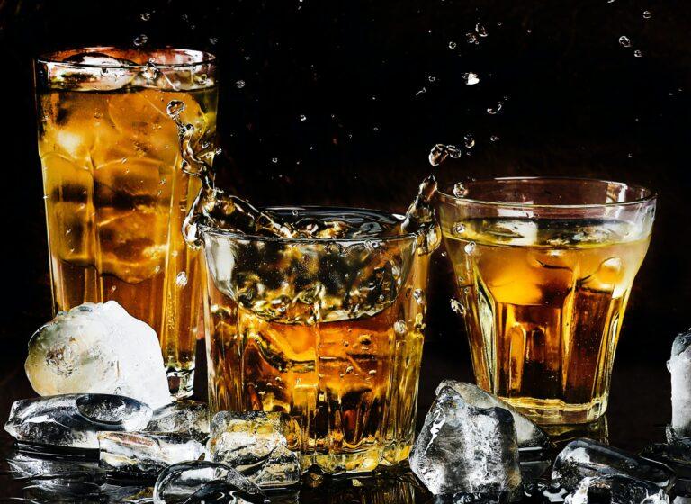 doobies beer joint, drinks in racine, bar & grill in racine